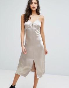 Атласное платье миди на тонких бретельках Glamorous - Белый