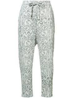 укороченные брюки с мраморным узором Raquel Allegra