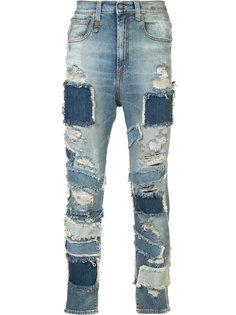 укороченные джинсы с заплатками R13