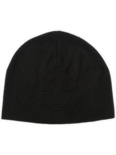 шапка с вышитым логотипом Emporio Armani