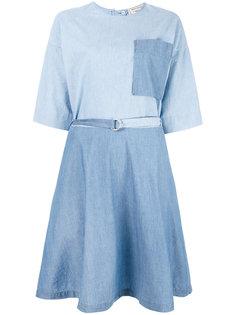 джинсовое расклешенное платье  Maison Kitsuné