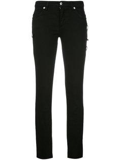 брюки скинни с отделкой булавками Versus