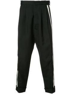 укороченные брюки с заниженным шаговым швом Haider Ackermann