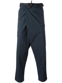 зауженные брюки с заниженной проймой Transit