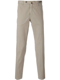 брюки-чинос со смещенной застежкой Pt01