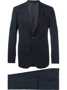 костюм строгого кроя Giorgio Armani