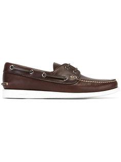 классические палубные туфли Churchs