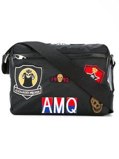 сумка-почтальонка с заплатками Alexander McQueen