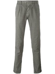 зауженные брюки со складками Incotex