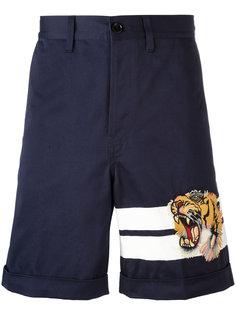 шорты бермуды с принтом бенгальского тигра Gucci