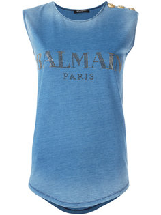 топ с принтом логотипа Balmain