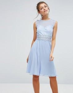 Платье миди с кружевным лифом и вырезом сердечком Elise Ryan - Синий