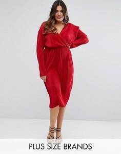 Плиссированное платье-футляр с запахом Club L Plus - Красный