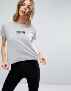 Свободная футболка с принтом Trouble ASOS - Серый