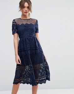 Кружевное приталенное платье Boohoo - Темно-синий