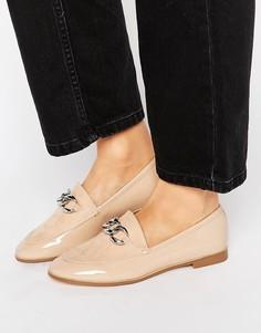 Светло-бежевые туфли на плоской подошве с серебристой цепочкой London Rebel - Бежевый