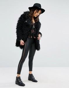 Облегающие брюки из искусственной кожи со шнуровкой по бокам Glamorous - Черный