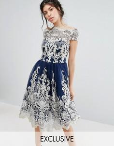 Кружевное платье миди для выпускного с вырезом лодочкой Chi Chi London Premium - Темно-синий