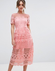 Кружевное приталенное платье Boohoo - Розовый
