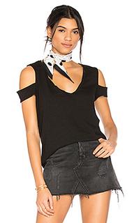 V-neck cold shoulder tee - Pam & Gela