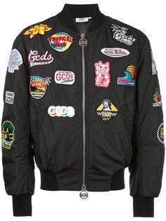 куртка бомбер с нашивками Gcds