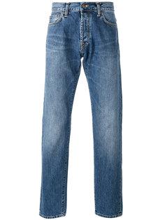 джинсы с потертостями Carhartt