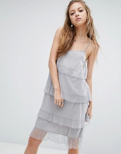 Многоярусное кружевное платье Navy London - Серый