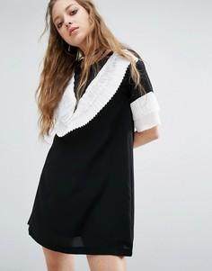 Платье мини с эффектными рюшами Navy London - Черный