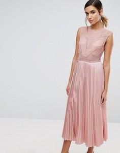 Кружевное платье миди с плиссировкой и разрезами на юбке Three Floor - Розовый