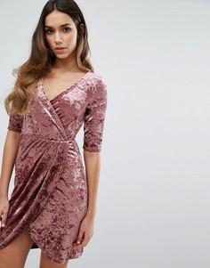 Бархатное платье с запахом спереди Club L - Розовый