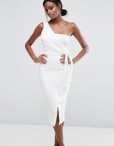 Платье-футляр на одно плечо с поясом Lavish Alice - Белый