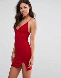 Платье мини на тонких бретельках с разрезом Club L - Красный