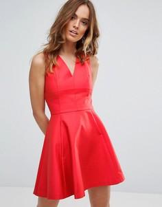 Короткое приталенное платье Sisley - Красный