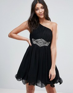 Короткое приталенное платье на одно плечо с отделкой на талии Little Mistress - Черный