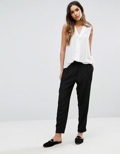 Широкие брюки со складками Vero Moda - Черный