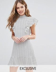 Платье с отделкой рюшами в горошек Closet London - Мульти