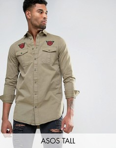 Состаренная супердлинная рубашка навыпуск с нашивками ASOS TALL - Зеленый