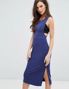 Облегающее платье в спортивном стиле с глубоким вырезом пройм рукавов BCBG - Синий