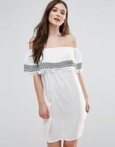 Платье с открытыми плечами и вышивкой First & I - Белый