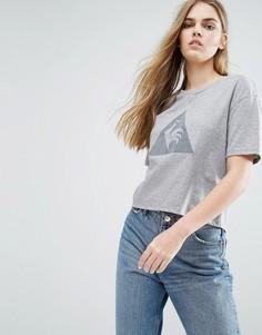 Короткая футболка с большим логотипом Le Coq Sportif - Серый