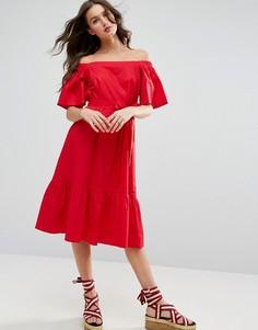 Платье миди с открытыми плечами и поясом ASOS - Красный