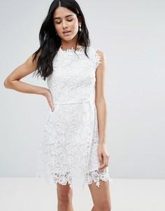 Кружевное приталенное платье Zibi London - Белый