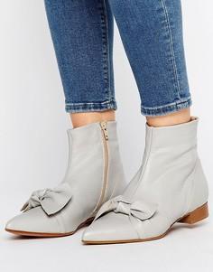 Кожаные полусапожки с острым носком и узелком ASOS ALABAMA - Серый