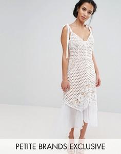 Ажурное платье на бретелях с шифоновым подолом Jarlo Petite - Белый