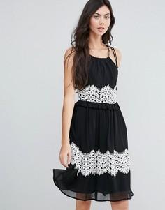 Платье миди с контрастной кружевной отделкой Endless Rose - Черный