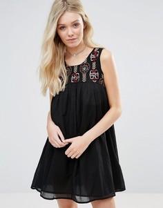 Платье с присборенной юбкой Glamorous - Черный