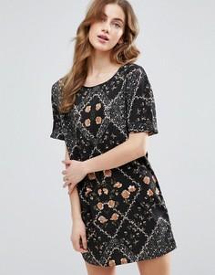Цельнокройное платье с короткими рукавами и цветочным принтом Vila - Черный