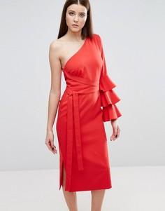 Платье-футляр на одно плечо с оборками на рукаве Lavish Alice - Красный
