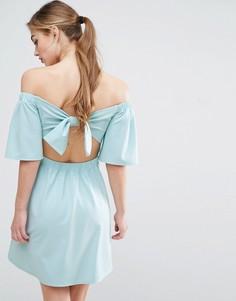 Платье мини из крепа с бантом на спине ASOS - Синий