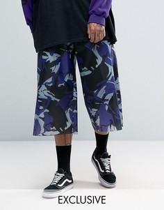 Укороченные брюки из нейлона с широкими штанинами и камуфляжным принтом Reclaimed Vintage Inspired - Фиолетовый